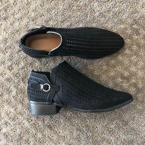 Black Shoes Black Booties